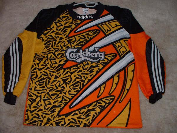Liverpool Goalkeeper Football Shirt 1995 1997 Sponsored By Carlsberg
