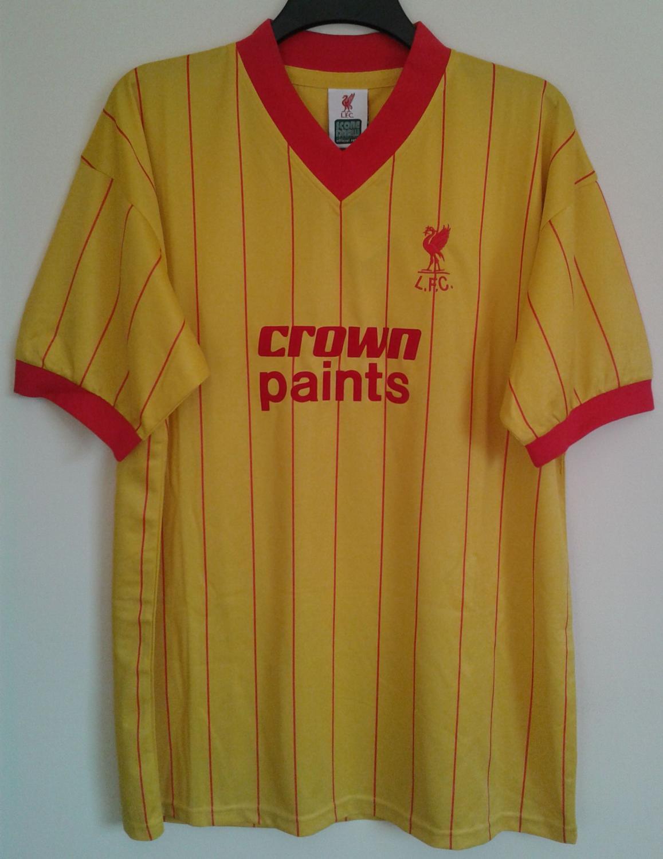 Liverpool Retro Replicas Maillot de foot 1982 - 1984. Sponsored by ... 5cb6cfc22