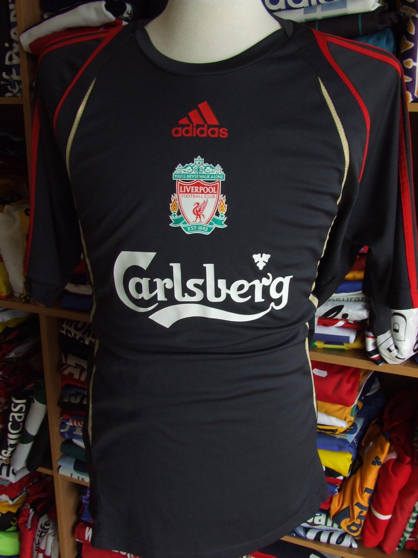 e84fa3b28 Liverpool Training Leisure Maillot de foot 2009 - 2010.