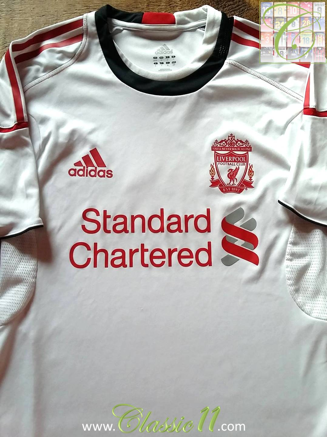 ad6787d509e Liverpool Training Leisure Maillot de foot 2010 - 2011.