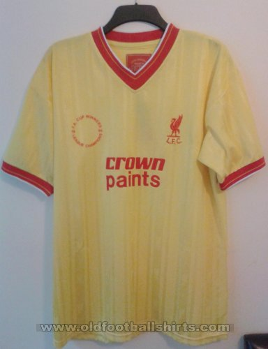 Liverpool Retro Replicas football shirt 1986 - 1987