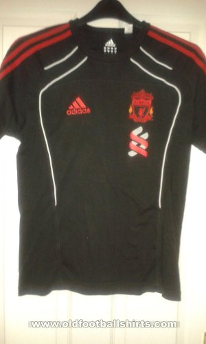 Liverpool Training/Leisure football shirt 2010 - 2011