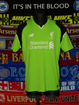 Liverpool Goalkeeper football shirt 2016 - 2017