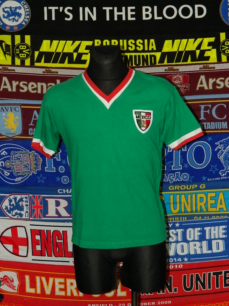 detailed look dc9d9 b45af Mexico Retro Replicas football shirt 1960 - 1970.