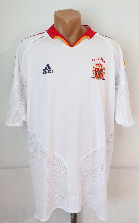 Spain Home football shirt 2004 - 2006.