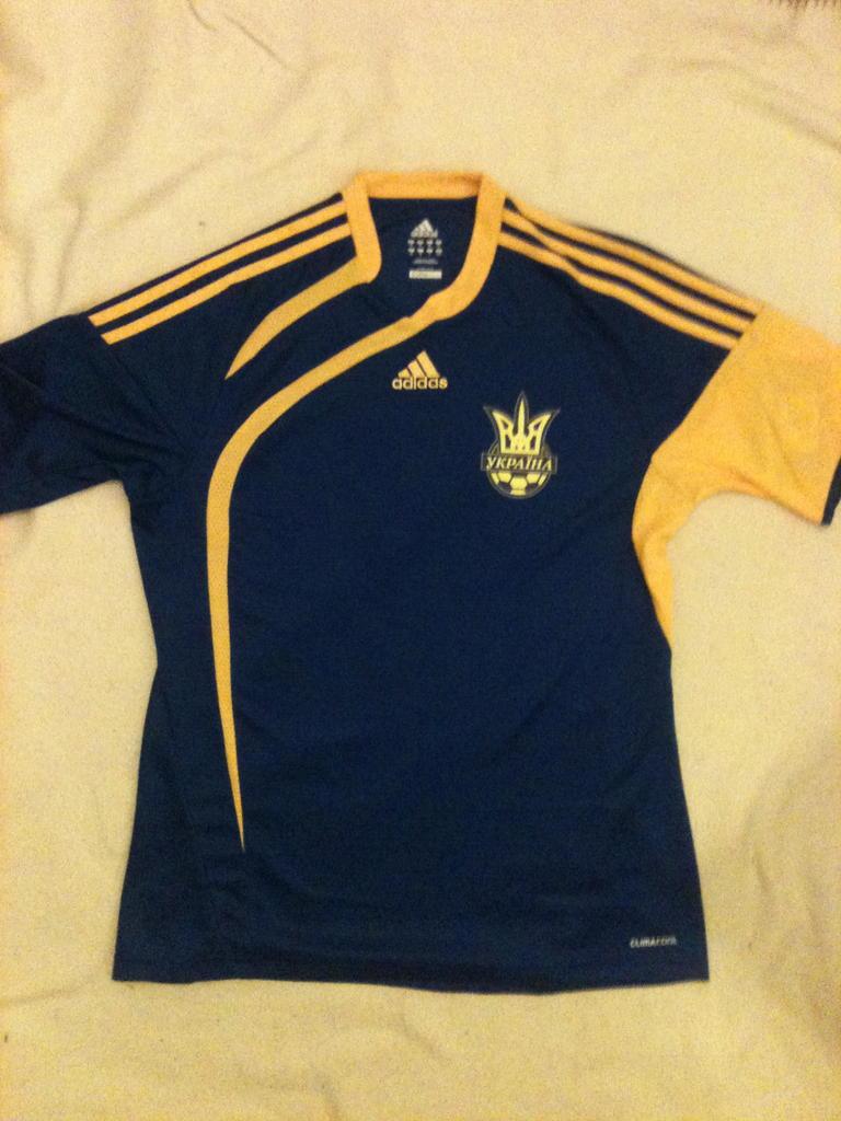 Ukraine Away חולצת כדורגל 2009 2010.
