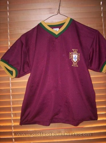 Fake & Counterfeit Shirts from all over Home football shirt 2000
