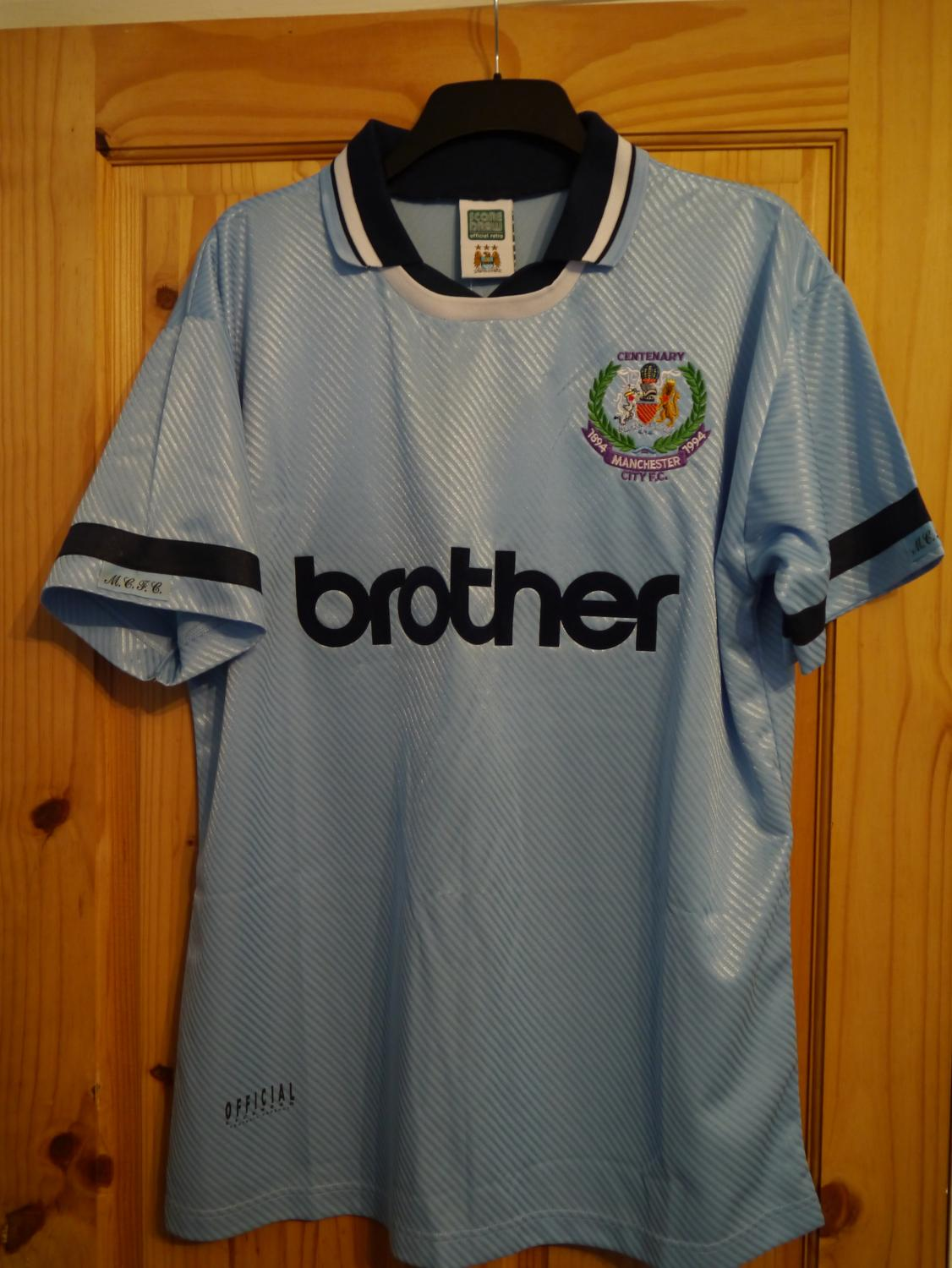 buy popular 6c244 4ba52 Manchester City Retro Replicas maglia di calcio 1993 - 1995 ...