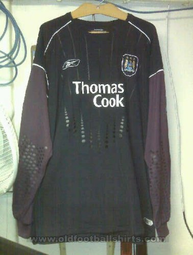 Manchester City Goalkeeper football shirt 2004 - 2005