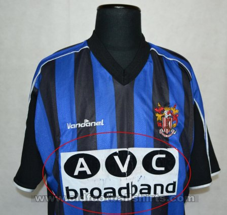 Stevenage FC Away baju bolasepak 2003 - 2004