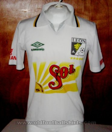 Leon Away football shirt 1994 - 1995