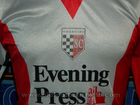 York City Home Fußball-Trikots 2002 - 2003