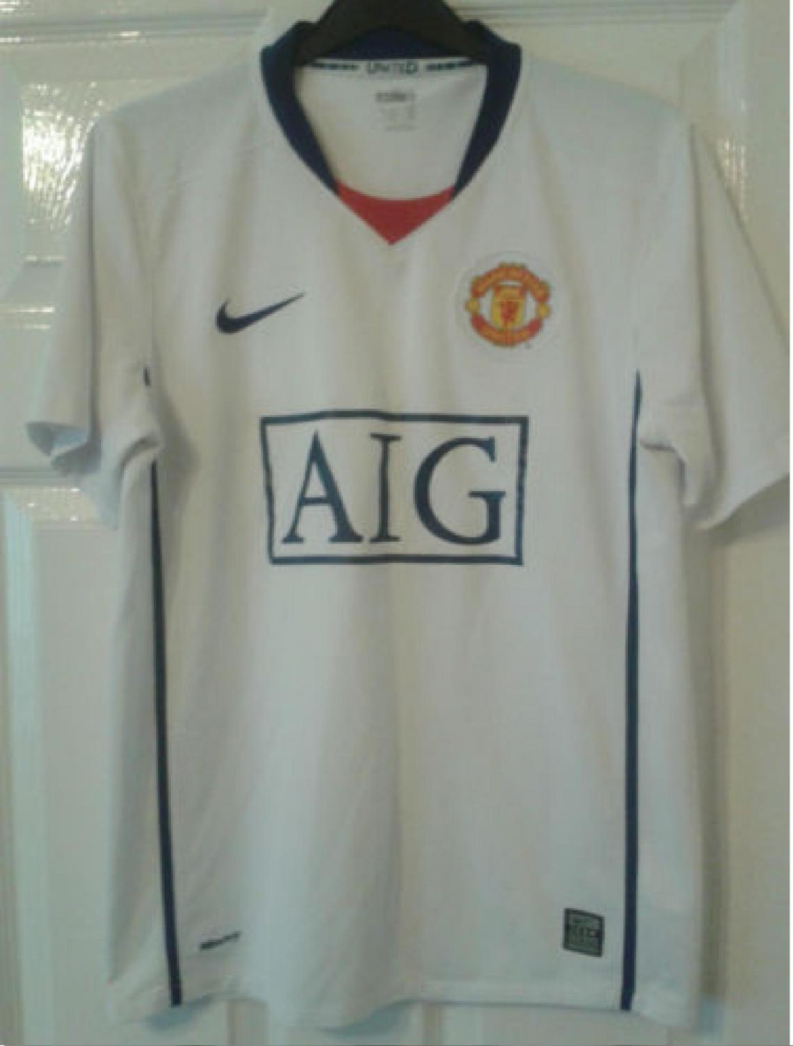 manchester united away football shirt 2008 2009 sponsored by aig manchester united away football shirt