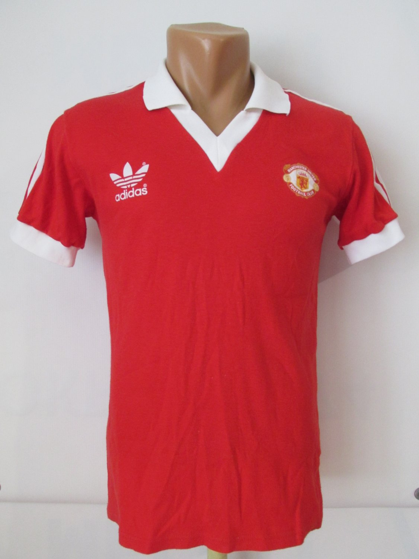 c2452df6ee2 Manchester United Home fotbollströja 1980 - 1982. Sponsored by no ...