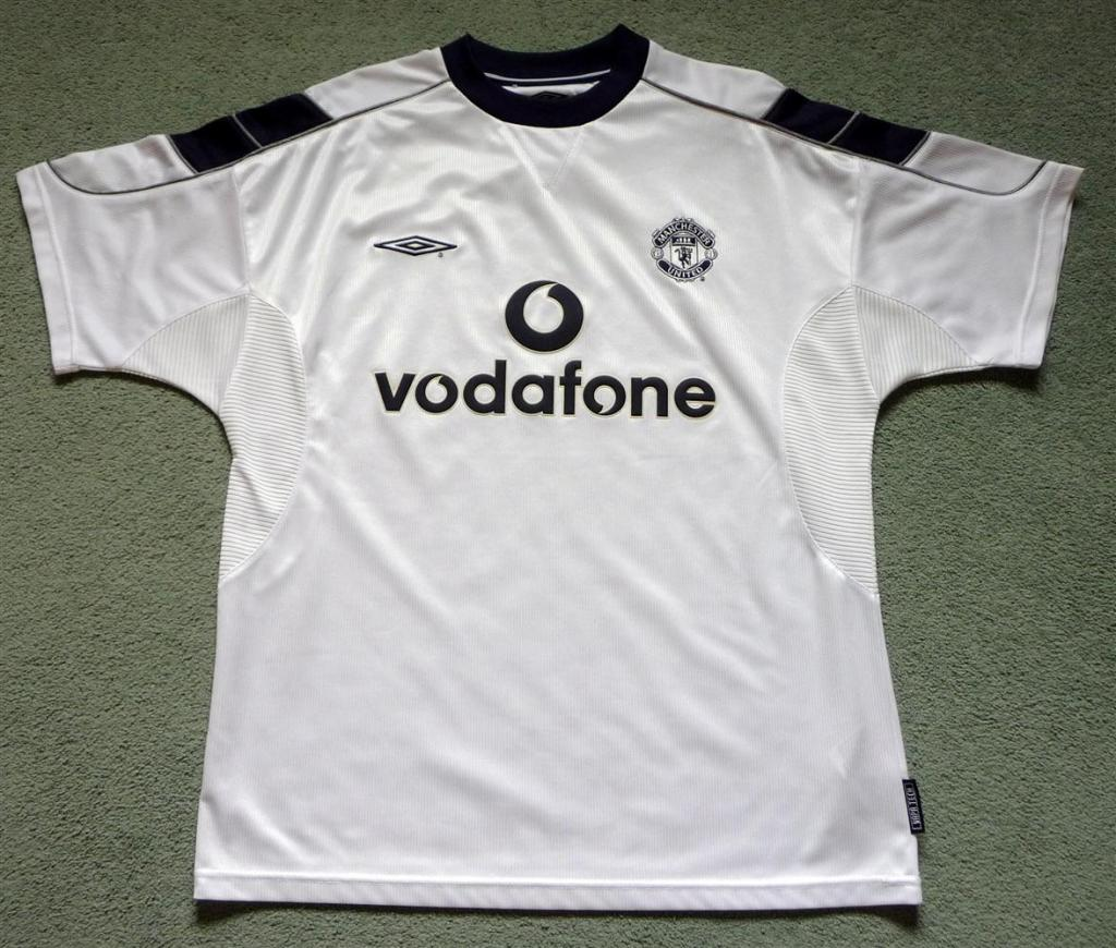 059020755 Manchester United Away Maillot de foot 2000 - 2001. Sponsored by ...
