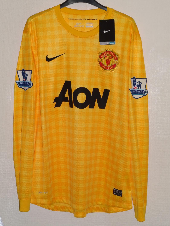Manchester United Goalkeeper Football Shirt 2012 2013 Sponsored By Aon