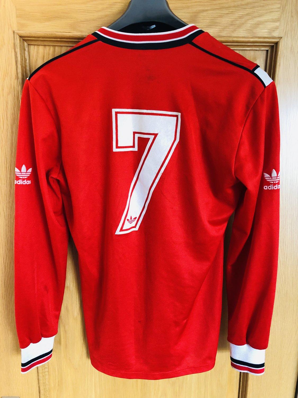 newest e8485 45542 Manchester United Home football shirt 1984 - 1986. Sponsored ...