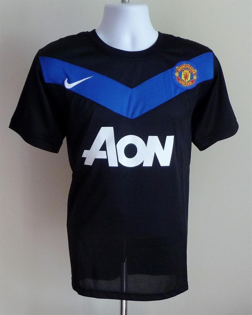 d3e87853d20 Manchester United Third camisa de futebol 2010 - 2011. Sponsored by AON