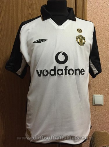 Manchester United Away football shirt 2001