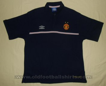 Manchester United Training/Leisure football shirt 1999 - 2000