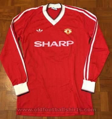 Manchester United Home football shirt 1983 - 1984