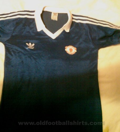 Manchester United Third football shirt 1981 - 1982