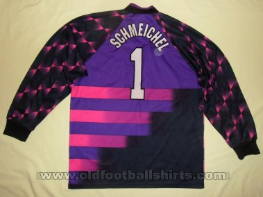 Manchester United Goalkeeper football shirt 1996 - 1997