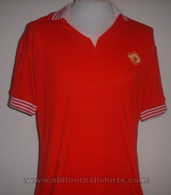 Manchester United Home football shirt 1975 - 1976