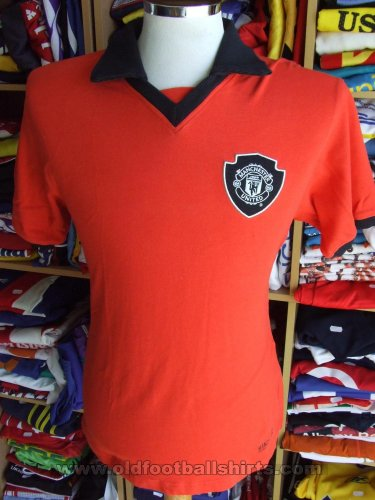 Manchester United Retro Replicas football shirt (unknown year)