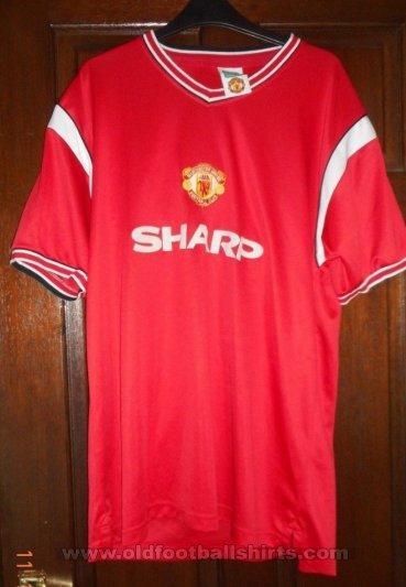 34d4cf42a Manchester United Retro Replicas camisa de futebol 1984 - 1986 ...