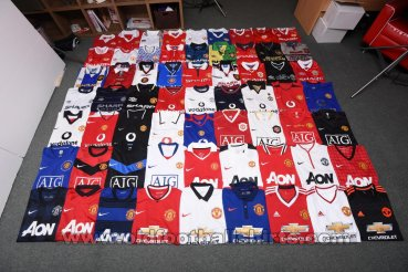 Manchester United Special football shirt 1976 - 2016