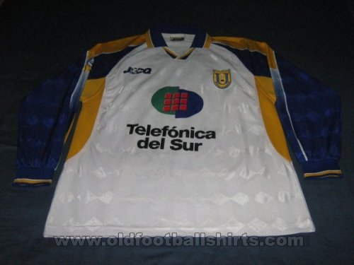 Universidad de Concepción Away football shirt 2002