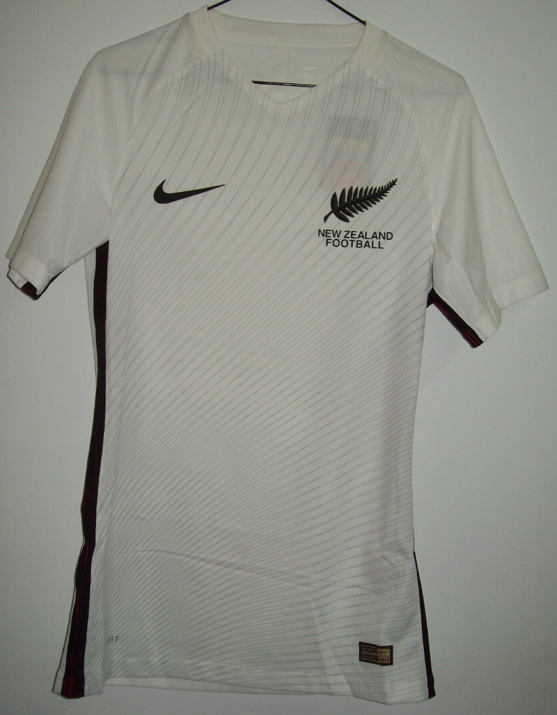 New Zealand Flag Crest Kiwi National Soccer Football Sports Long Sleeve Thermal