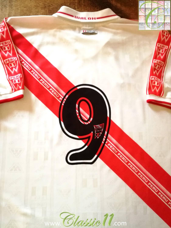 4f1e7eb2e Peru Home baju bolasepak 2000 - 2002.