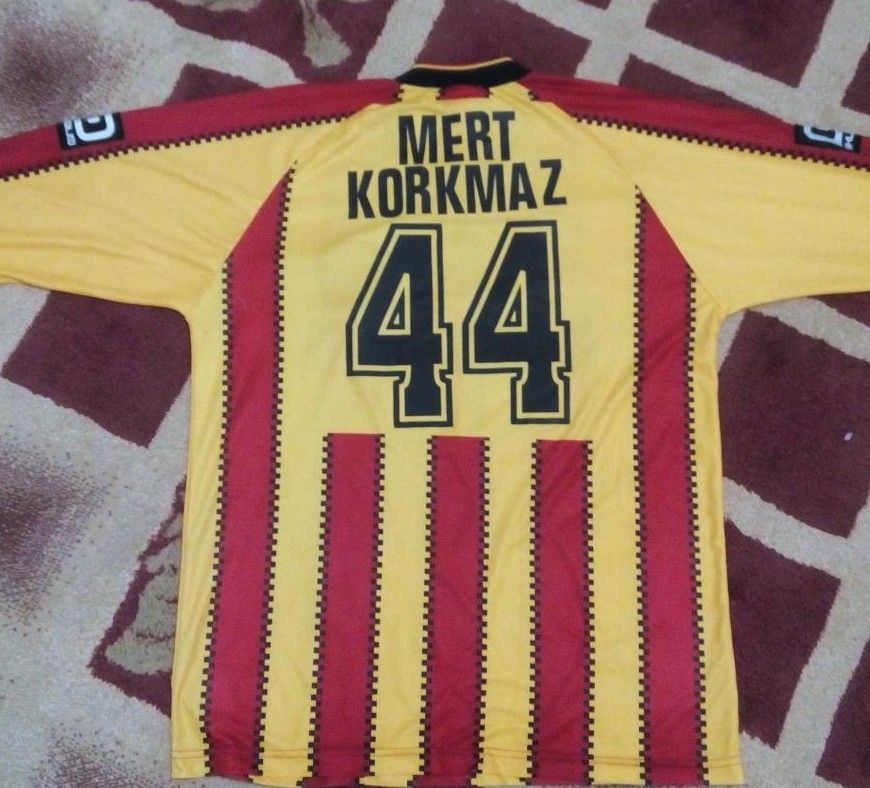 Malatyaspor home football shirt 2003 2004 added on 2015 for Classic house 2004