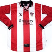 Home football shirt 2001 - 2002