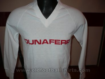 Dunaujvaros FC Home football shirt (unknown year)