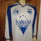Third football shirt 2001 - 2002
