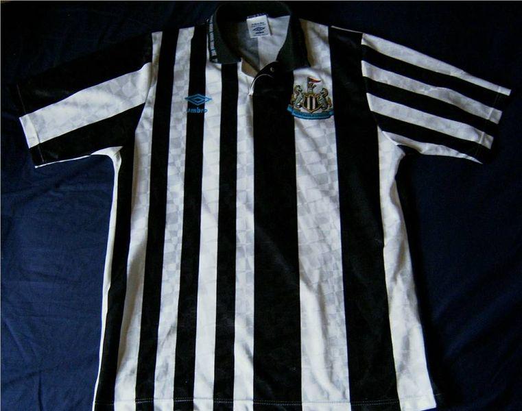 c015cdb76fc84 Newcastle United Home camisa de futebol 1991 - 1992. Sponsored by no ...