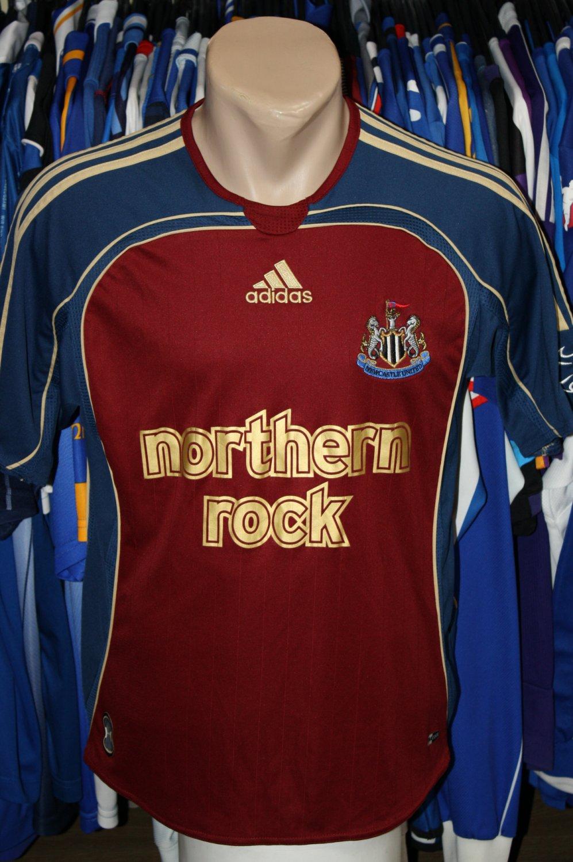 newcastle united ext rieur maillot de foot 2006 2007 ajout 2011 01 19 04 53. Black Bedroom Furniture Sets. Home Design Ideas