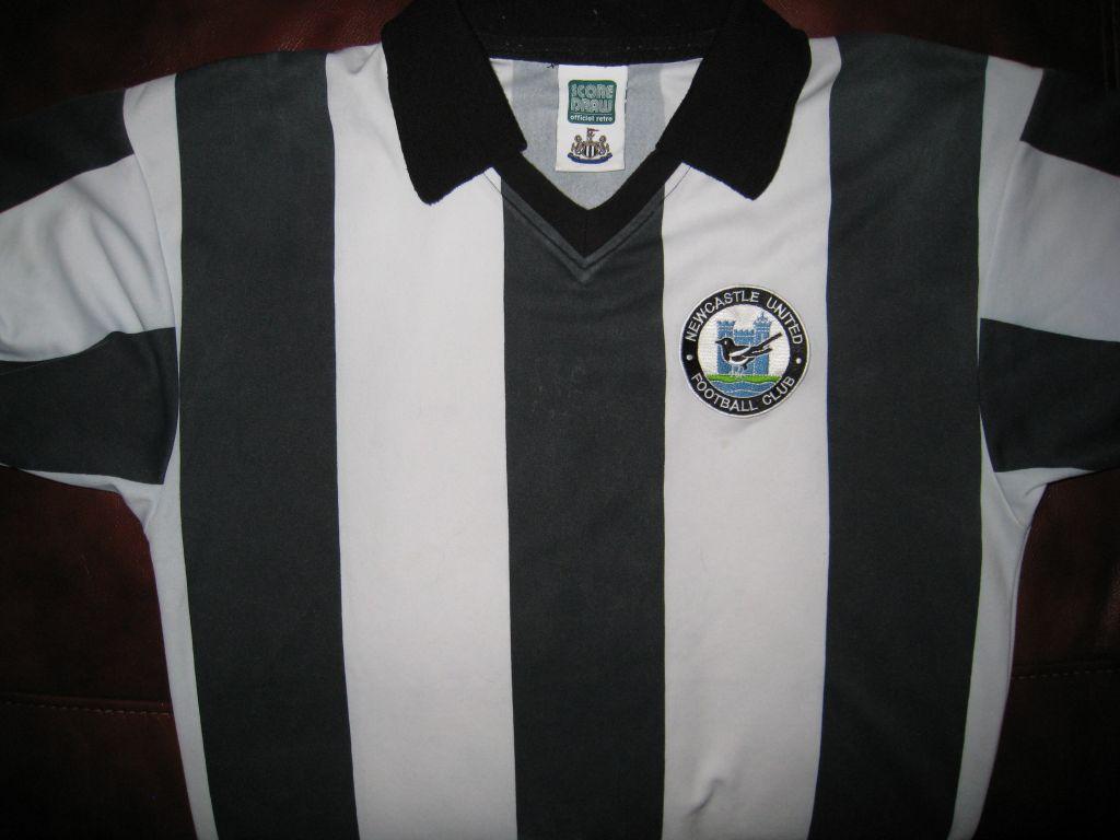 more photos dc6aa 44cb9 Newcastle United Retro Replicas football shirt 1980 - 1983 ...