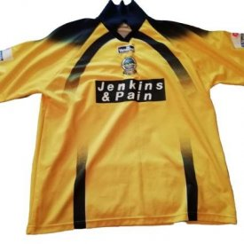 Dover Athletic Выездная футболка 2000 - 2002 sponsored by Jenkins & Pain