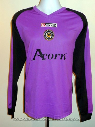 Newport County Goalkeeper football shirt 2009 - 2010