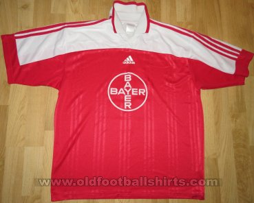 KFC Uerdingen 05  Home voetbalshirt  (unknown year)