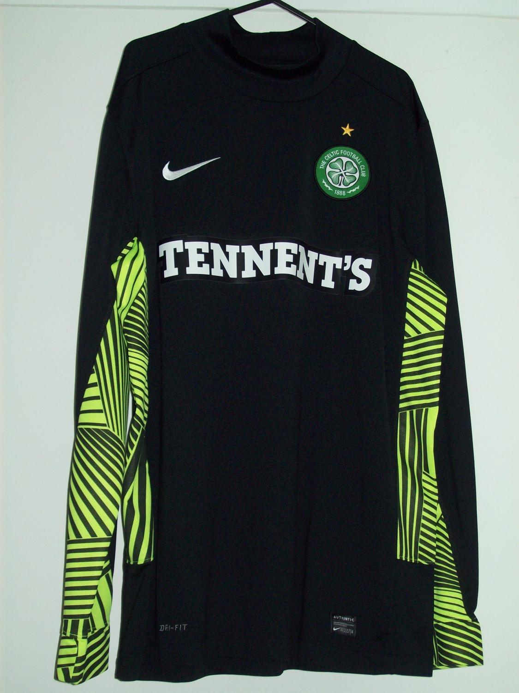 9f035de9beb Celtic Goalkeeper camisa de futebol 2011 - 2012. Sponsored by Tennent s