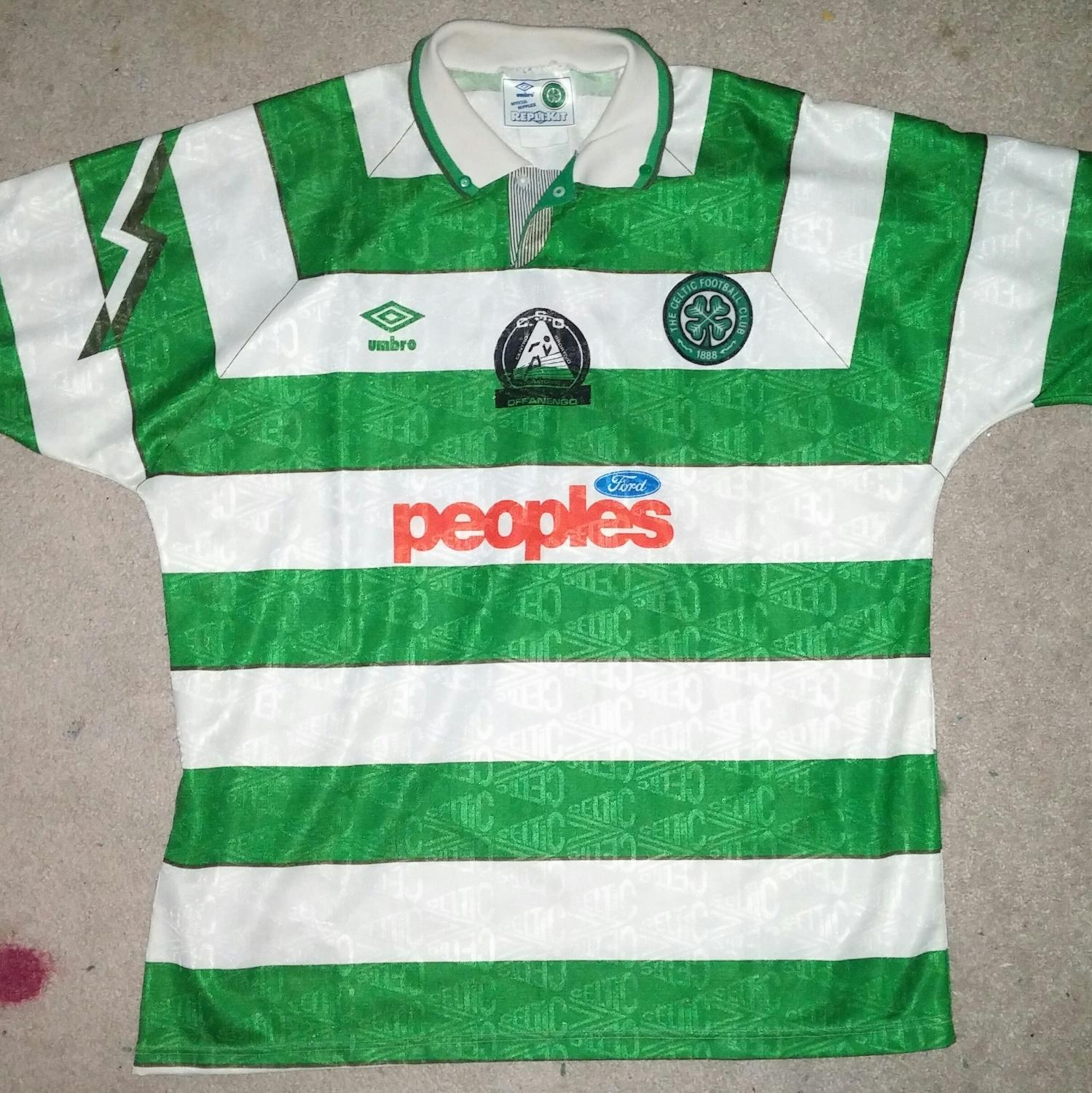 f15fa99596f20 Celtic Home Maillot de foot 1991 - 1992. Sponsored by Peoples Ford