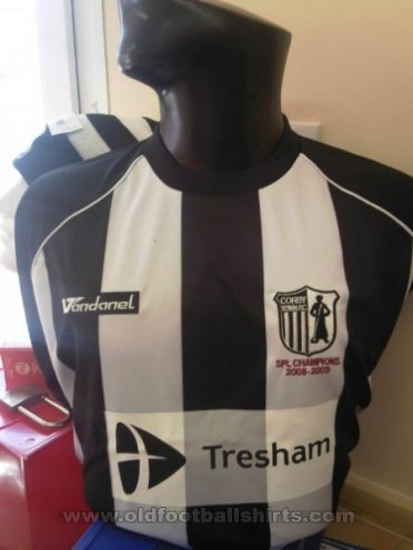 Corby Town Home Maillot de foot 2009 - 2010