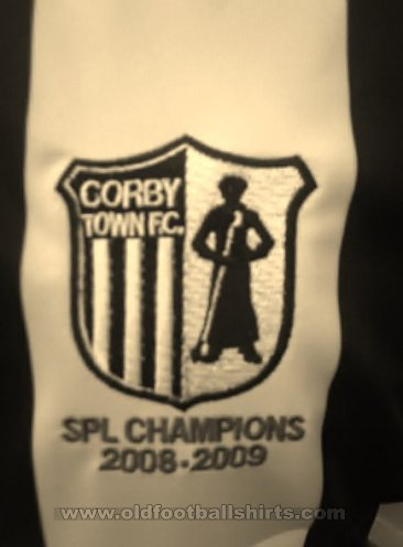 Corby Town Home football shirt 2009 - 2010