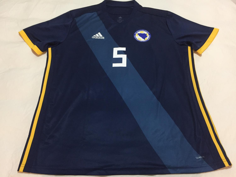 9c72011c1 Bosnia and Herzegovina Home Maillot de foot 2017 - 2018.
