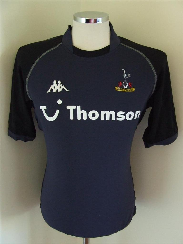 7bbc8f6ca05 Tottenham Hotspur Away Maillot de foot 2002 - 2003. Sponsored by Thomson